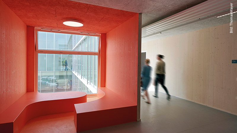Akustikdecken in einer Sekundarschule in Berlin